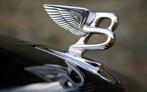Rolls Royce ornament retract